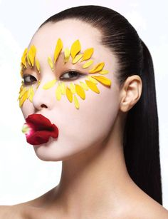 'Oriental Extasy' | Sung Hee Kim And Ji Hye Park By Lee Kyung Ryul For Harpers Bazaar Korea | January 2013 #flowers #makeup