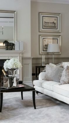 40 Gorgeous French Country Living Room Decor Ideas - Popy Home Home Living Room, Living Room Designs, Living Room Decor, Grey Carpet Living Room, Cream Living Rooms, Living Area, Living Spaces, Decoration Gris, Wainscoting Styles