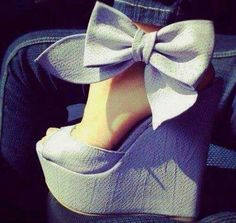 Adorable #bow #heels #shoes #love #getinmycloset