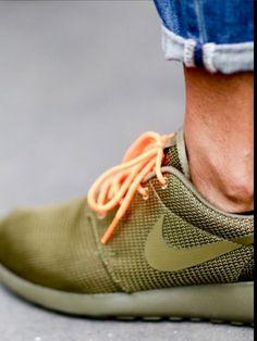 Nike Roshe Run.