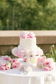 Check out the photos from Stephanie Lagace and Daniel Smith.Flowers by: Phyllis Hillier Floral Design