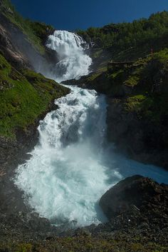 Kjosfossen - Flåm, Aurland, Norway (by François Marclay on Flickr)