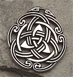 Celtic peace knot