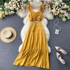 Long Skirt Outfits, Casual Outfits, Fashion Outfits, Long Skirts, Short Summer Dresses, Summer Outfits Women, Look Boho Chic, Crop Top Dress, Vintage Mode