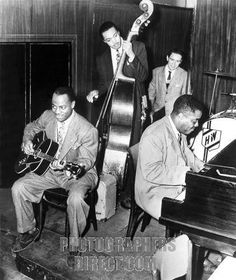 Tiny Grimes with Art Tatum and Slam Stewart at the Three Deuces, NYC, 1944, owner Morris Levy in the background