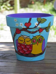 owl love :~D Flower Pot Art, Flower Pot Design, Clay Flower Pots, Flower Pot Crafts, Clay Pots, Clay Pot Projects, Clay Pot Crafts, Painted Plant Pots, Painted Flower Pots
