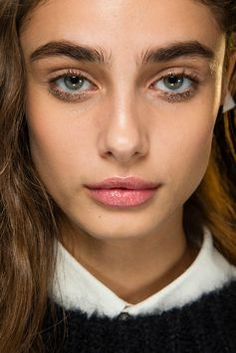 Taylor Marie Hill #browinspo #brows