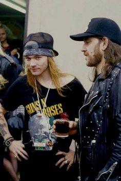 """Axl Rose (Guns N' Roses) and Lemmy Kilmister (Motörhead) backstage at The Donington Monsters of Rock Festival in August Guns N Roses, Rock N Roll, Axl Rose Slash, Lemmy Motorhead, Moonage Daydream, Estilo Rock, Rock Legends, Def Leppard, Aerosmith"