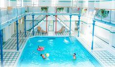 Gemütliche Schwimm- und Saunalandschaft im historischen Badetempel  Im Nordbad Dresden finden Badegäste jeden Alters ansprechende Bewegungs- und Entspannungsangebote. Erbaut im Jahre 1894, wurde das Nordbad liebevoll restauriert und schafft so ein unverkennlich historisches Ambiente.