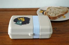 Lunchtime! Hungry Lion / Raw Earth Collection / tableware / biobased bamboo fiber  #zuperzozial #RawEarth