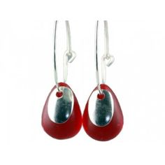 If you like quality handmade jewellery here is the perfect match for you. These beautiful red glass drops earrings have been handmade in Denmark.