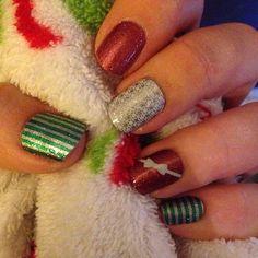 Finally have my Christmas mani!! #Jamberry #jamberrynails #peppermintpattyjn #cherryicejn #firstfrostjn #JoyfulLaughterjn