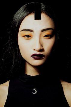 """Rowena Xi Kang, model--Bellos ojos, mas bellos si ven bien. Controlate cada año. Le en nuestro blogspot """"DEscansar frente a la PC""""--------------"""