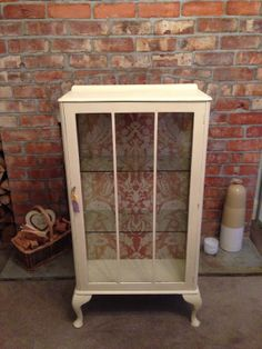 Glass cabinet hand painted using Annie Sloan Cream Decoupage Furniture, Hand Painted Furniture, Art Furniture, Repurposed Furniture, Furniture Makeover, Display Cabinets, Storage Cabinets, Painted Bookcases, Painting Bookcase