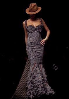 Spanish style – Mediterranean Home Decor Fashion Moda, Look Fashion, Flamenco Costume, Flamenco Dresses, Dance Costume, Spanish Fashion, Spanish Style, Special Dresses, Gowns Of Elegance