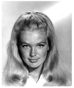 Linda Evans in The Big Valley, Linda Evans, Western Movies, Video Film, The Most Beautiful Girl, Old Hollywood, Vintage Photos, Muse, The Past, Faces