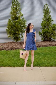 Memorial Day Weekend Outfit Inspiration dressed and down marks the start of Summer season and more sunny days dresses to impress. Dressy Summer Outfits, Spring Work Outfits, Day Dresses, Summer Dresses, Spring Fashion, Women's Fashion, Weekend Outfit, Dress To Impress, Ruffles