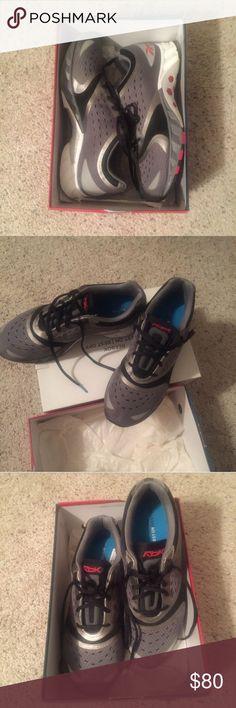 BNIB reebok men's running shoes Reebok Smoothfit Hexride Men's running shoe. Brand New In Box!! Originally $149. #reebok #runningshoe #running #shoes #bnib #nib #nwt #bnwt🏃🏼🏃🏼🏃🏼🏃🏼👟👟👟👟 Reebok Shoes Athletic Shoes