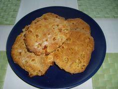 Raejuustoinen teeleipä