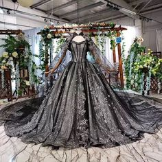 Wedding Dress With Veil, Wedding Dress Train, Black Wedding Dresses, Bridal Dresses, Formal Dresses, Wedding Gowns, Lace Wedding, Dream Wedding, Quince Dresses