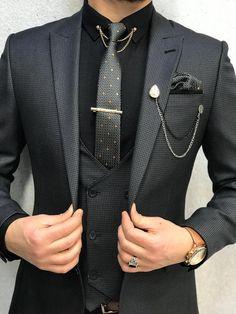 suits men 12 Elegant Brooch Designs For Your Wedding Grey Slim Fit Suit, Black Suit Men, Dark Gray Suit, Grey Suit Black Shirt, Mens Fashion Suits, Mens Suits, Groomsmen Suits, Dress Suits For Men, Designer Suits For Men