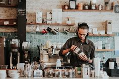 14 typische Hipster-Cafés in Wien - HEROLD.at You are in the right place about hipster home decor be Hipster Cafe, Trader Joe, Barista Training, Hipster Home Decor, Restaurant Pictures, Coffee Industry, Co Working, Great Coffee, Hipsters