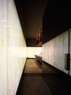 Zero contemporary food by Dordoni Architetti Lobby Interior, Bar Interior, Interior Exterior, Interior Architecture, Corridor Lighting, Hallway Designs, Commercial Interiors, Contemporary Interior, Interiores Design