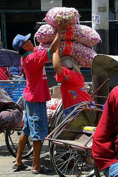 that is abuse Traditional Market, Unity In Diversity, Dutch East Indies, Working People, Malang, Surabaya, Southeast Asia, Carry On, Cool Pictures
