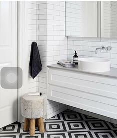 Bathroom Decor black and white How to create a stunning black and white kitchen or bathroom: Monochrome magic. Black and white bathroom. Bathroom with patterned floor tile Small Bathroom Tiles, Bathroom Tile Designs, Bathroom Flooring, Bathroom Faucets, Bathroom Furniture, Bathroom Black, Charcoal Bathroom, Bathrooms Decor, White Bathrooms