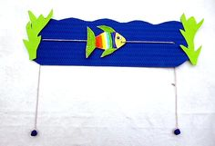 A wonderful toy for small kids! You'll need a cardboard, coloured paper, a cardboard fish, a rope and 2 beads. Summer Crafts, Diy Crafts For Kids, Art For Kids, Arts And Crafts, Ocean Animal Crafts, Bible Crafts, Fish Art, Colored Paper, Diy Paper