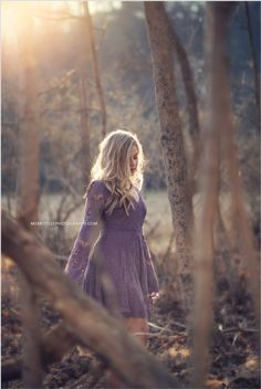 cool Outdoor Senior Pic Idea! Styled shoot - Hairstyle - Loose Curls - Makeup - Indie... by http://www.globalfashionista.xyz/fashion-poses/outdoor-senior-pic-idea-styled-shoot-hairstyle-loose-curls-makeup-indie/