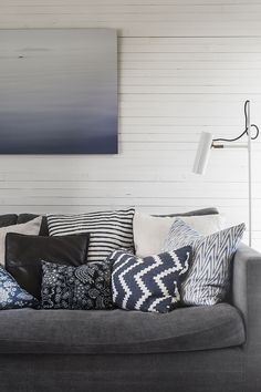 Hemma hos - Reportage Archives - Page 3 of 14 - Strenghielm Archive - Strenghielm - page 3 Swedish Design, Scandinavian Design, Throw Pillows, Living Room, Bed, Archive, Home, Toss Pillows, Cushions
