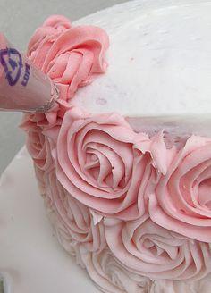 Purple Chocolat Home: Ombre Rose Cake