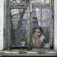 Untitled, photography by Vladimir Kutchinski. In People, Portrait. Untitled, photography by Vladimir Kutchinski. Black White Photos, Black And White Photography, Foto Portrait, Looking Out The Window, Window View, Rear Window, Window Art, Window Mirror, Window Boxes