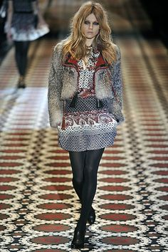 http://www.style.com/slideshows/fashion-shows/fall-2008-ready-to-wear/gucci/collection/18