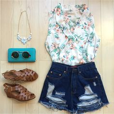 The perfect outfit for an end of summer barbecue or the first day of school! #shoppitaya