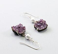 Amethyst Druzy Earrings--These are gorgeous! Jewelry Crafts, Jewelry Box, Jewelery, Jewelry Accessories, Jewelry Making, Amethyst Earrings, Beaded Earrings, Amethyst Jewelry, Raw Gemstone Jewelry