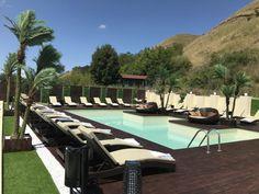 S Bora Bora, Mauritius, Outdoor Furniture, Outdoor Decor, Sun Lounger, Clipuri Video, Instagram, Home Decor, Travel