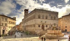 Top tourist attractions in Italy: Perugia - Beautiful places in Italy Rest Of The World, Places Around The World, Around The Worlds, Places In Italy, Places To Visit, Palazzo, Wonderful Places, Beautiful Places, Italy Tourist Attractions