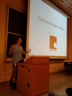 Food movement research Charles Levkoe as Food Forward and other local food organizers speak at his U of T class.  June 2012.