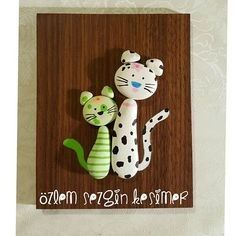 ✔ Cat Crafts For Kids Animals Stone Crafts, Rock Crafts, Arts And Crafts, Pebble Stone, Stone Art, Pebble Painting, Stone Painting, Easy Flower Painting, Pebble Art Family