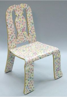 로버트 벤투리의 queen anne chair입니다. 패턴이 독특하죠?