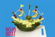 How to Make a Boat with Melon - By J Pereira Art Carving Vegetable Decoration, Food Decoration, Drip Cake Recipes, Kreative Snacks, Edible Fruit Arrangements, How To Build Abs, Hot Wheels Birthday, Niklas, Make A Boat