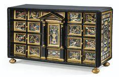 Cabinet à plaques de scagliola, ébène, bois noirci et bois doré, travail italien de la seconde moitié du XVIIe siècle attribué à Giovanni Leoni (1639-début du XVIIIe siècle) | Lot | Sotheby's
