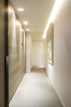 :: DETAILS :: INTERIORS :: Lovely detailing of wood sliding doors w/ flush hardware paired with cove lighting Corridor Lighting, Cove Lighting, Interior Lighting, Lighting Design, Lighting Ideas, Light Architecture, Interior Architecture, Modern Interior, Interior And Exterior