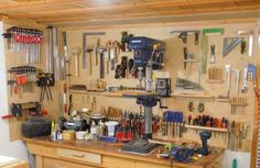 All about woodworking! Easy woodworking projects, furniture making tools, general woodworking tools, professional woodworker and more. Workshop Storage, Tool Storage, Workshop Shelving, Easy Woodworking Projects, Woodworking Shop, Woodworking Apron, Youtube Woodworking, Woodworking Workshop, Woodworking Classes