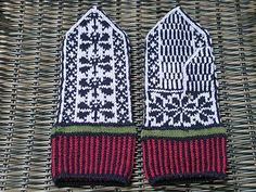 Ravelry: Dragonfly Mittens pattern by Kim Brody Salazar Fingerless Mittens, Knitted Gloves, Fair Isle Knitting, Hand Knitting, Knitting Patterns, Knitting Projects, Wrist Warmers, Hand Warmers, Tricot