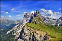 Dolomiti - le Odle viste dal Seceda by gigi 62, via Flickr/terraced farming Alto Adige