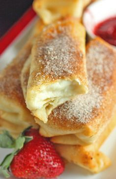 Fried Cheesecake Roll­Ups