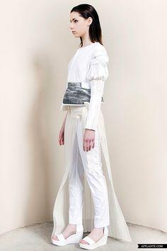'Contemporary White' Fashion Collection // Eun-Jung Lee | Afflante.com